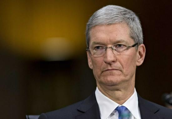 苹果前员工投诉库克:惩罚泄密者的言论违反美国法律