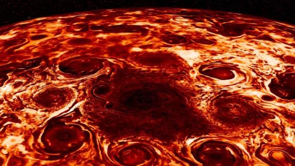 科学家揭晓木星极地几何形状气旋风暴形成之谜