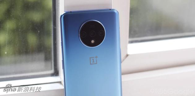 一加7T手机(图片来自9to5mac)