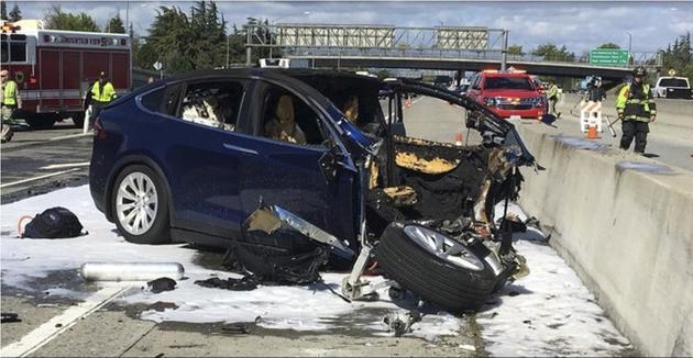 特斯拉称车祸责任在于司机 家属或将起诉
