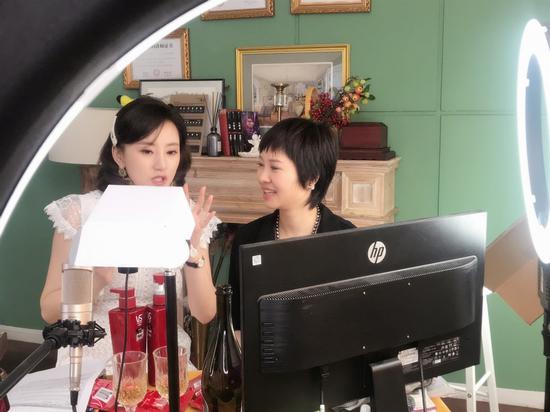 v博娱乐场博彩的玩法·不信你不笑!开心麻花、德云社、辽宁民间艺术团都来CCTV3了!