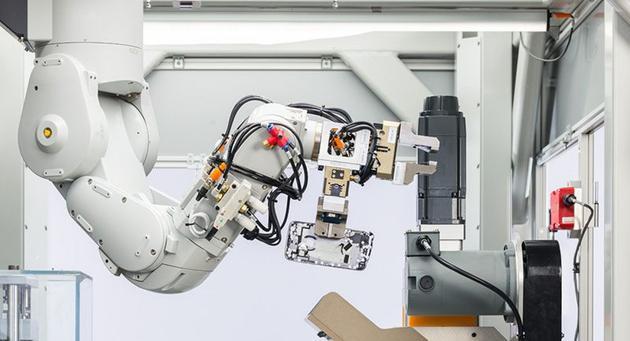 绿色和平组织呛苹果回收机器人:应该延长产品寿命