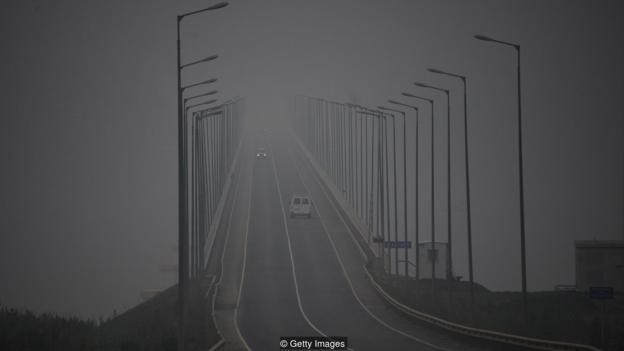 丛林火警发生的烟雾能够舒展到年夜片地域,以至净化其他年夜陆的氛围