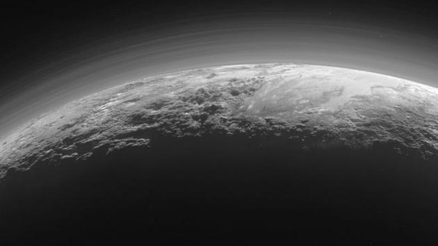 冥王星稀薄的大气层