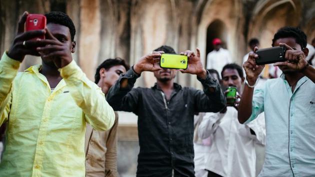 逆袭小米 售价150元的手机席卷印度市场