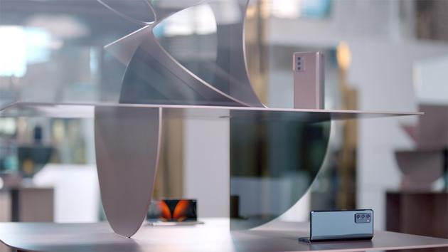 三星Galaxy Z Fold2 5G中国发布 第三代折叠机定价16999元