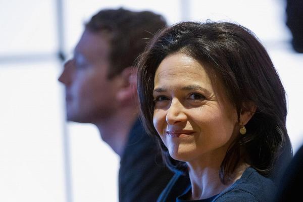Facebook COO回应数据泄露丑闻:对监管持开放态度