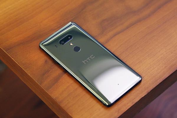 双面玻璃配前后双摄 HTC新旗舰U12+实拍图赏