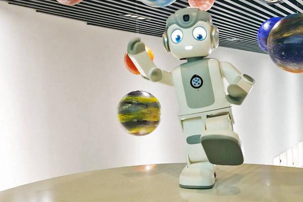 体验了这么多机器人之后,只有它让我有带回家的冲动