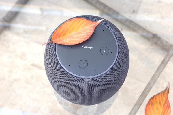 华为AI音箱图赏 外形简约的家居控制枢纽