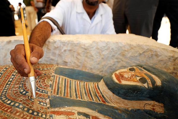 埃及弯曲金字塔内部墓室对外开放 已有4500年历史