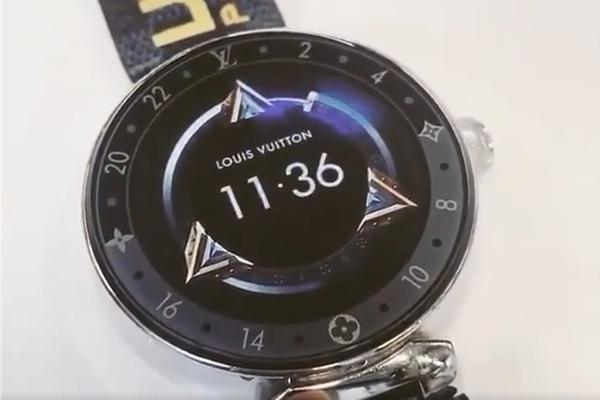 LV推《英雄联盟》定制手表,S9冠军FPX战队每人一个