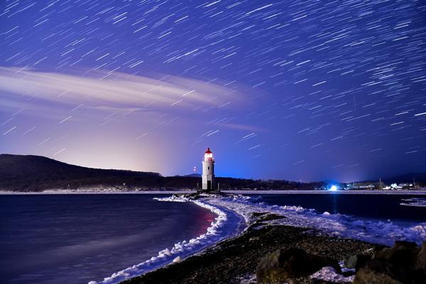 陪你去看唯美英仙座流星雨 赴一场夏日夜空浪漫约会