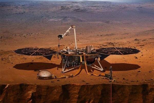 洞察号探测器记录到日食期间火星上发生了奇怪的事