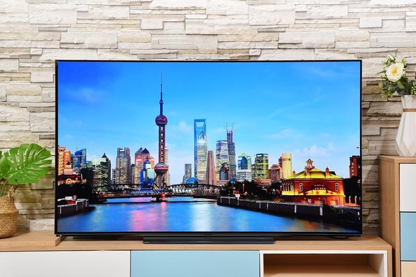 极简设计与OLED的结合 创维年度旗舰电视图赏