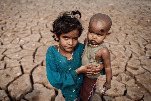 """世界防治荒漠化和干旱日 那些触目惊心的""""大地伤口"""""""