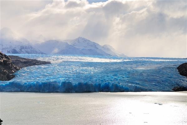 最新研究显示:地表融化导致南极冰川更快地滑向海洋海平面上升海洋冰川