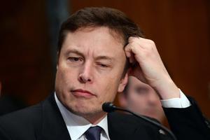 贝佐斯可回收火箭成功返回 SpaceX祝贺但有点酸