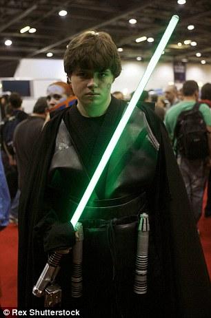 《星战》的影迷们也许要等上很长一段时间,才能看到光剑变成现实。