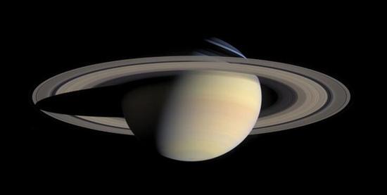 像土星这样的气态巨行星主要由氢和氦组成。图片来源:NASA/JPL/Space Science Institute