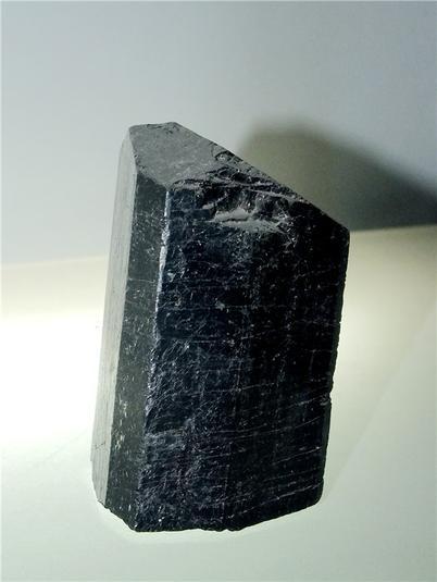 柱状黑色电气石(摄影:马志飞)