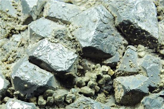 粒状方铅矿晶体(摄影:马志飞)