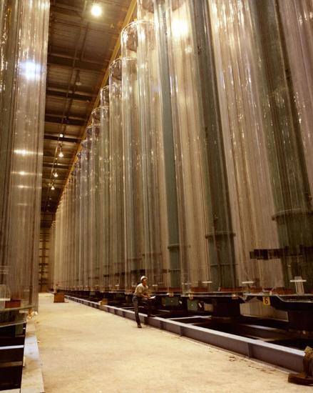 图20布满离心机的浓缩铀工厂(美国能源部)