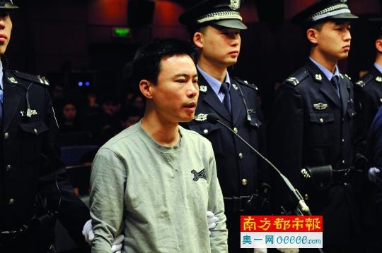 2016年1月7日,北京海淀区人民法院开庭审理快播传播淫秽物品案。快播科技CEO王欣出庭受审。CFP图