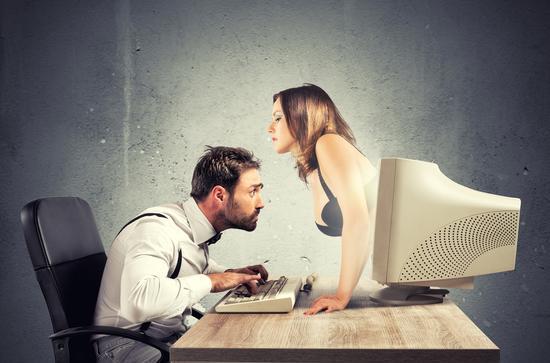 从色情网站年终数据统计看智能设备的兴衰成败