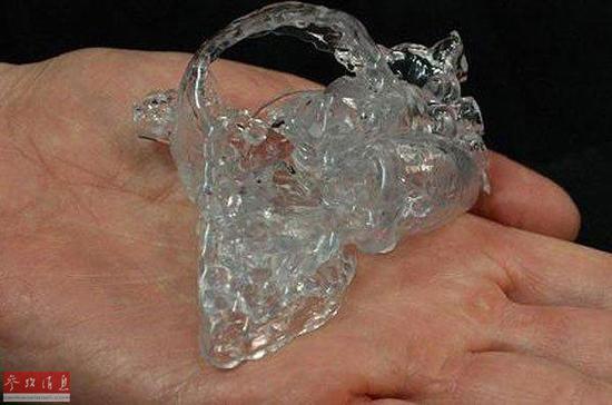 资料图片:据外媒报道,利用3D打印技术可以改变人们生活,之前就有许多关于3D打印义肢帮助患者恢复正常生活的报道。