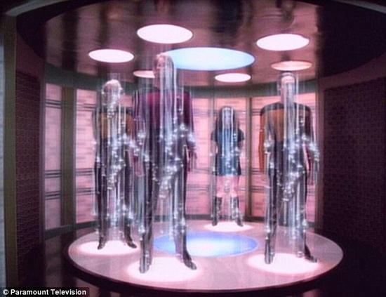 """《星球大战》中的瞬间移动技术也许并不像看起来那样遥不可及。几名物理学家近日提出了一个计划,利用""""量子叠加""""技术,实现生物记忆的瞬间转移。"""