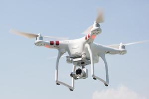 传闻大疆将于3月1日推出第四代精灵无人机