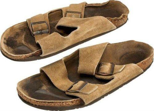 乔布匹斯遗物处理品:宗步价850美元 壹副拖鞋卖2750美元