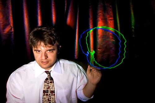 Karl Deisseroth教授发明了光遗传学技术
