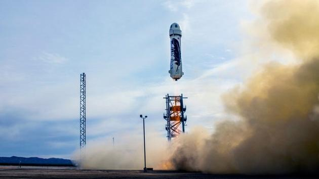 """""""蓝色起源""""公司前不久已经向外界展示了其能够实现新型火箭""""新谢泼德""""(New Shepard)的发射、着陆回收和再次发射"""