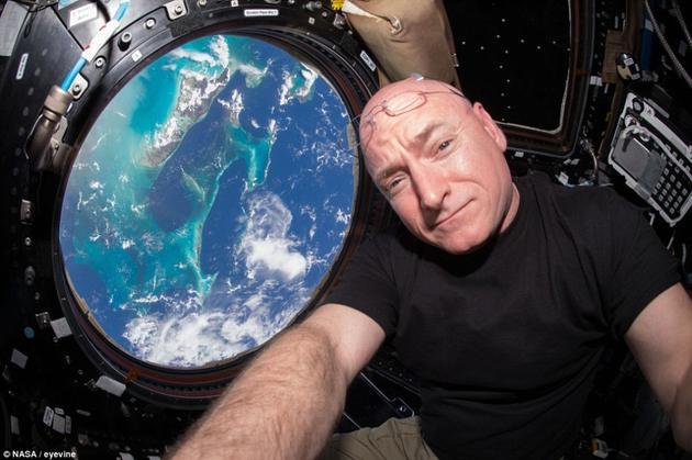 """美国航天员斯科特・凯利连续在太空""""蜗居""""近一年。(科技配图)"""