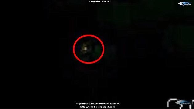 两位俄罗斯科学家声称,那些UFO经常没有理由地突然加速或减速,有时在没有任何减速的情况下突然90度转弯。