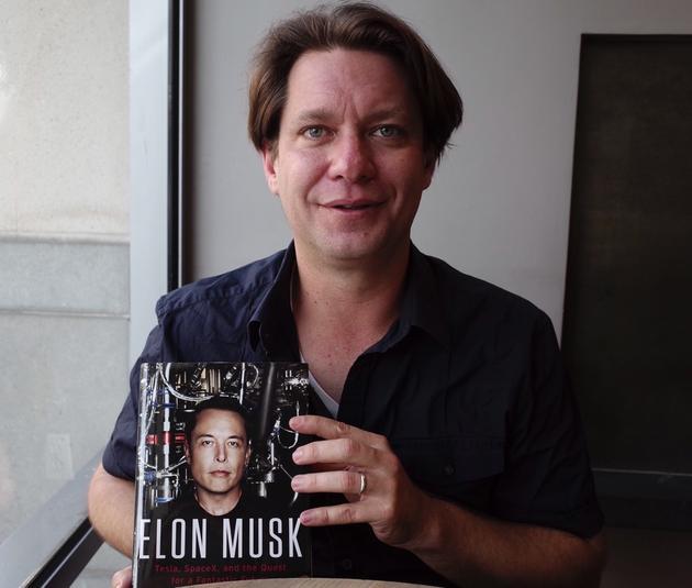美国资深科技记者文斯花三年时间撰写《马斯克传》