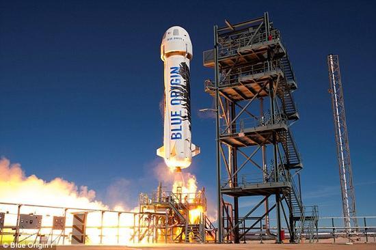 Blue Origin公司成立于2000年,目前已经将一艘宇宙飞船发射了两次,并使其安全着陆。该公司计划继续对其进行测试,直到其寿终正寝,然后再利用其它宇宙飞船进行载人航天测试。