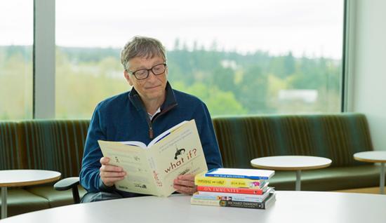比尔·盖茨本人是XKCD漫画的粉丝,他去年把《What If》列入了自己的夏季书单当中。