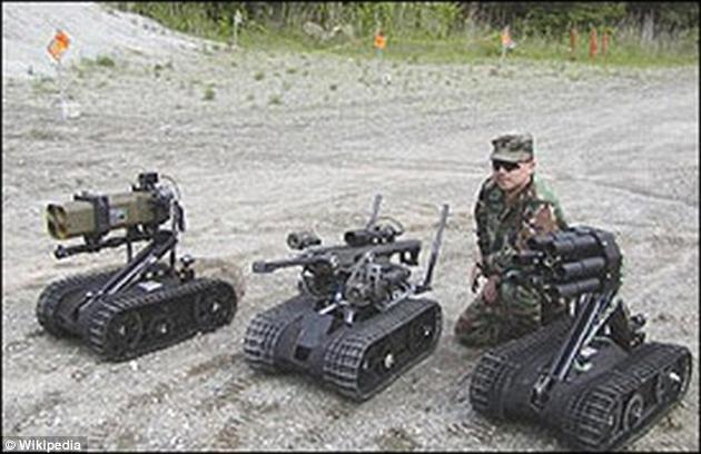 """无生命的机器人,它们根本无法真正理解生命的价值与意义。这些福斯特-米勒""""魔爪""""机器人装备了多种武器。专家认为,如果这样的系统被制造成全自动化,它们有可能攻击错误的目标。"""