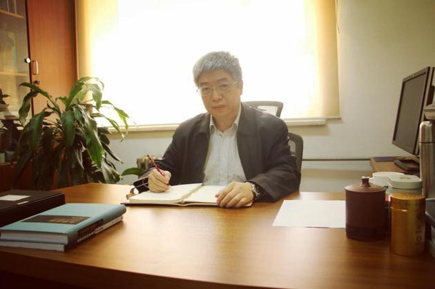 图4 中国科学院微重力重点实验室主任、实践十号卫星科学应用系统主任设计师王育人研究员