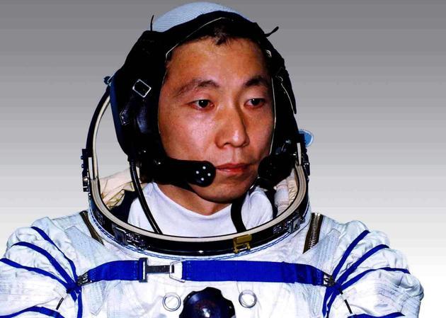 图3执行中国首次载人航天飞行任务的航天员杨利伟