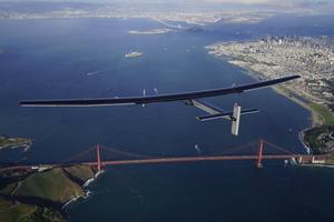太阳能飞机飞抵美国山景城,成功完成太平洋航段