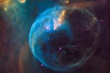 哈勃望远镜26周年纪念拍摄气泡星云:4张图像合成展示全貌