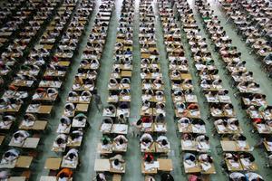 机器人明年参加文科高考:诞生仅两年目标一本