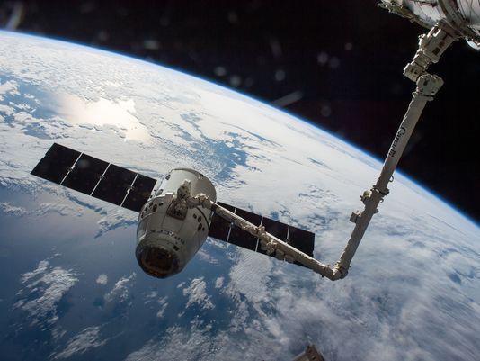 """与国际空间站对接的""""龙""""飞船"""
