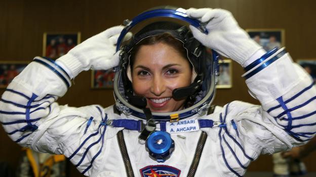"""企业家阿诺谢赫·安萨里(Anousheh Ansari)是一位""""太空游客"""",她通过""""太空旅游""""商业项目造访了国际空间站"""