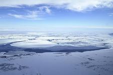 南极西部冰原之下隐藏神秘世界:类似一片近海湿地(图)
