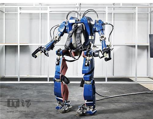 韩国研发出液压式可穿戴钢铁侠战衣